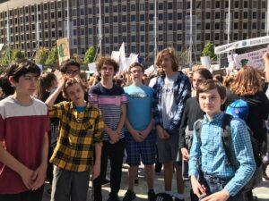 Lobos de ladrillo en huelga climática